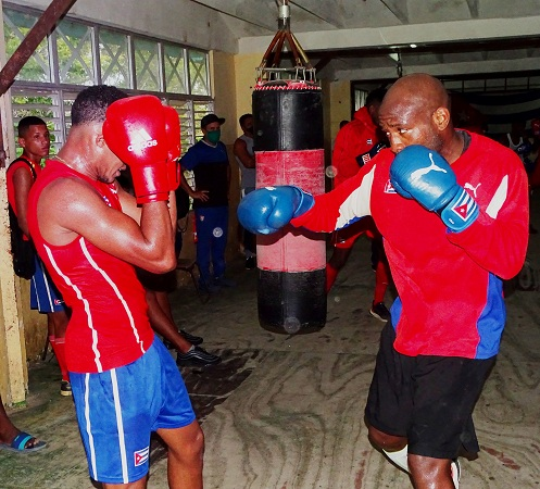 En Camagüey, boxeadores cubanos se preparan para Tokio 2021