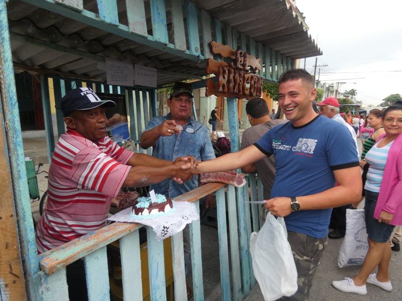 Feria comercial-agropecuaria en Camagüey para festejar a los padres