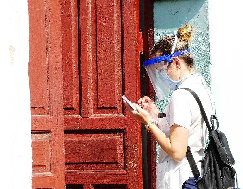 Reconocen en Camagüey a estudiantes de Ciencias Médicas por su protagonismo contra la Covid-19