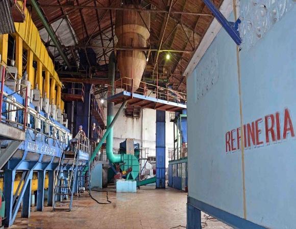 Favorables índices de eficiencia muestra refinería de azúcar del central Ignacio Agramonte