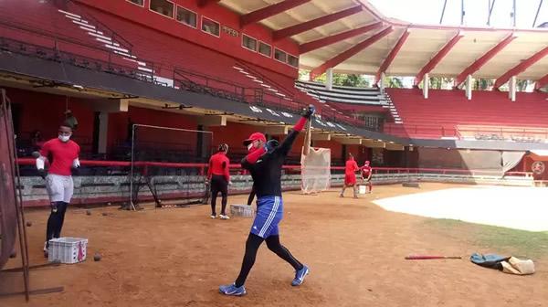 Equipo santiaguero de béisbol retorna a los entrenamientos