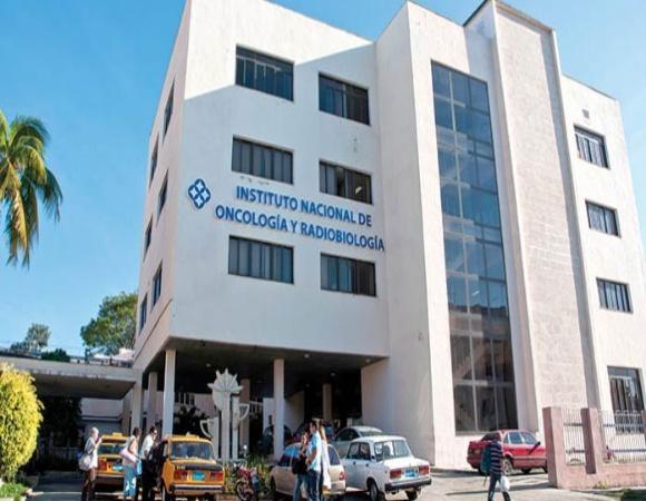 Prevé concluir hoy aplicación de primera dosis de Soberana 02 Instituto de Oncología