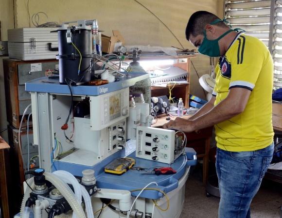 Bloqueo estadounidense afecta Centro Provincial de Ingeniería Clínica y Electromedicina de Camagüey (+ Fotos)