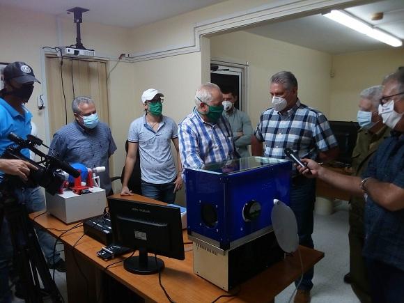 Recorre Díaz-Canel centros científicos vinculados a la batalla contra la Covid-19 (+ Tuits)