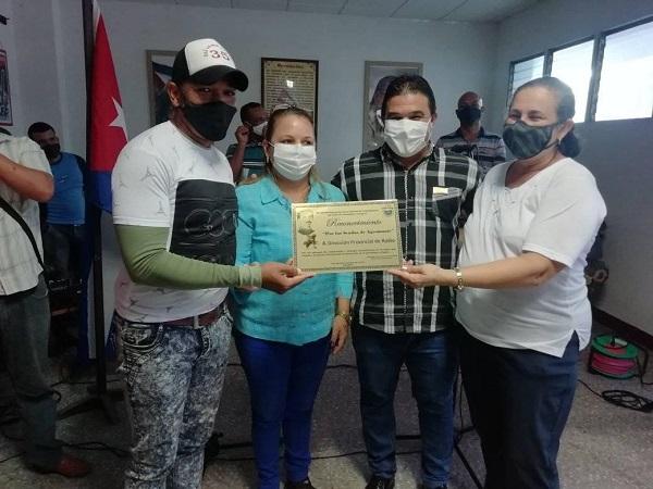 Otorgan Distinción Por las Sendas de Agramonte a Dirección Provincial de Radio en Camagüey (+ Fotos y Post)