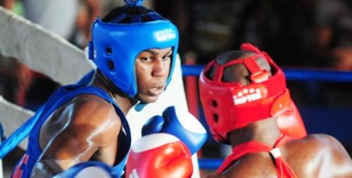 Leinier Peró debuta con éxito en Boxeo olímpico