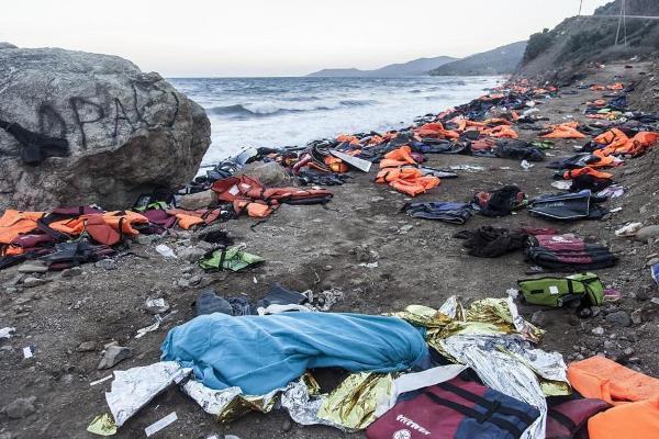 Naufragio en mar Egeo provoca muerte de 40 migrantes