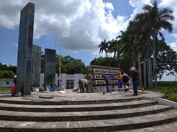 Restaura OHCC monumento a los caídos en Pino III (+ Fotos)