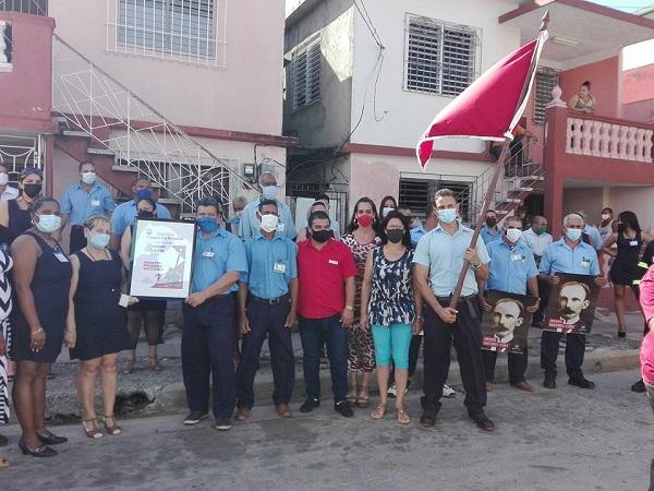 Colectivos del sector eléctrico y de la construcción de Camagüey reciben condición de Vanguardia Nacional