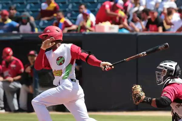 Tuneros aventajan nuevamente a equipo de Matanzas en semifinal beisbolera