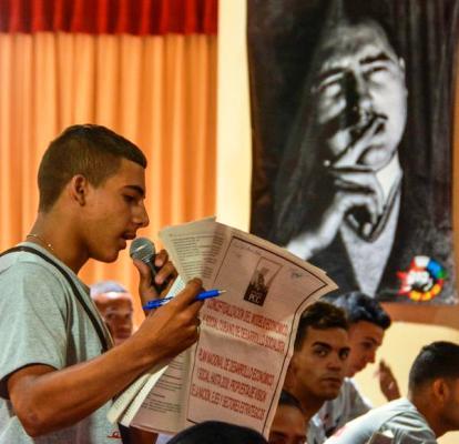 Canto al porvenir de la Revolución en voz del estudiantado cubano