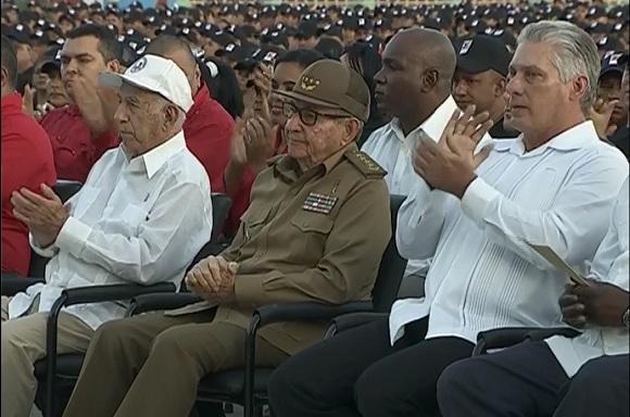 Presiden Raúl y Díaz-Canel acto central por el Día de la Rebeldía cubana (+ Video)