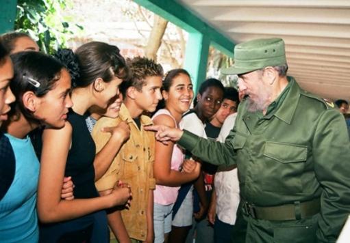 Fidel hizo realidad el sueño de una Patria libre, destaca intelectual francés