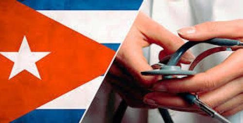Médicos cubanos priorizan atención en zonas devastadas por sismo en Ecuador