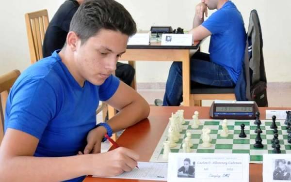 Ajedrecista camagüeyano Carlos Albornoz, el mejor de su categoría en Cuba