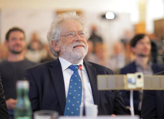 Presidente de Academia de Ciencias de Austria comparte experiencias en Cuba