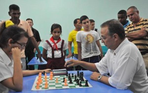 Presentarán en Camagüey Ajedrez hacia la luz, libro de Antonio Guerrero