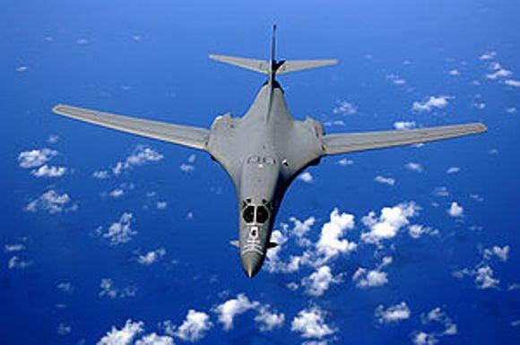 EE.UU. envía bombarderos supersónicos a Corea del Sur