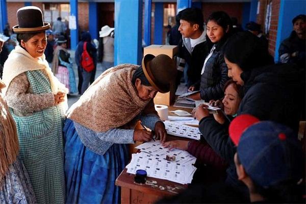 Bolivianos volverán a las urnas en mayo