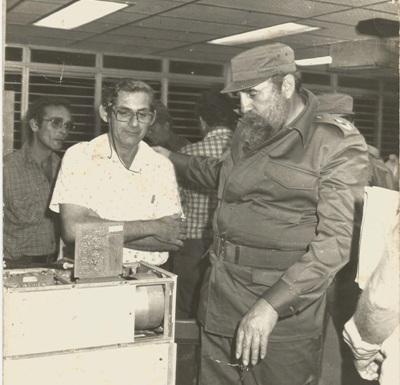 Fidel en el Centro de Electromedicina de Camagüey