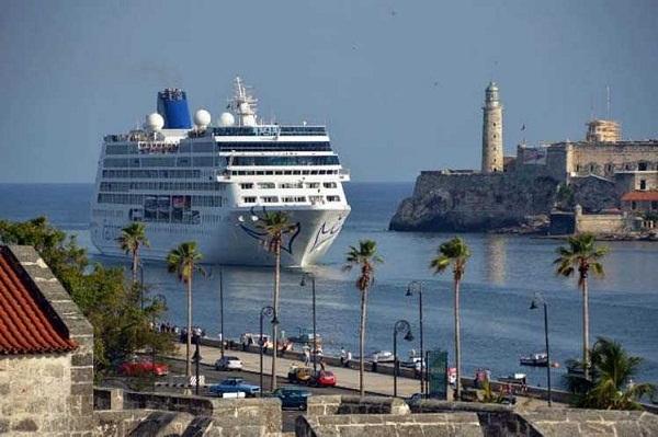 Línea de cruceros Carnival pide desestimar demanda basada en ley Helms-Burton