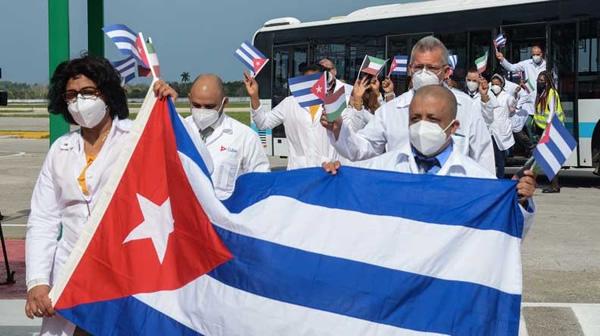 Tercer grupo de colaboradores que apoyó a Kuwait regresó a Cuba