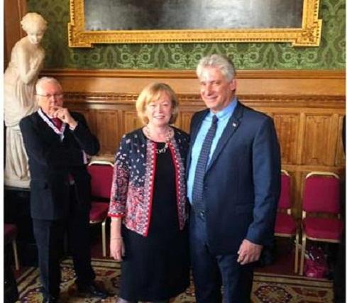 Díaz-Canel dialoga en Londres con la baronesa Angela Smith (+Fotos)
