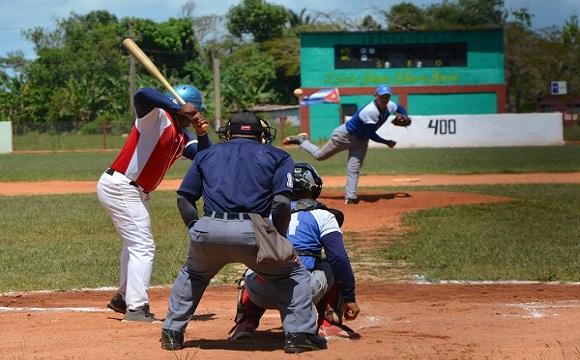 Empatados Lobos y Cañeros en la final del Béisbol camagüeyano