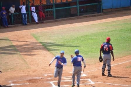 Béisbol con glorias por los 60 años de Radio Cadena Agramonte (+ Fotos)