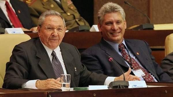 Recibió Raúl a Díaz-Canel a su regreso de Argentina
