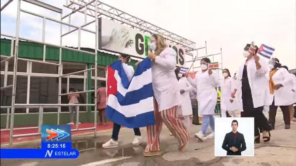 En Cuba, brigada Henry Reeve que enfrentó la COVID-19 en Surinam (+ Video)