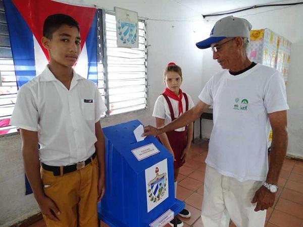 Responden pobladores de Sierra de Cubitas al llamado a votar #PorCuba