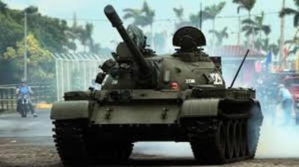 Un tanque de guerra puede ser también símbolo de amor
