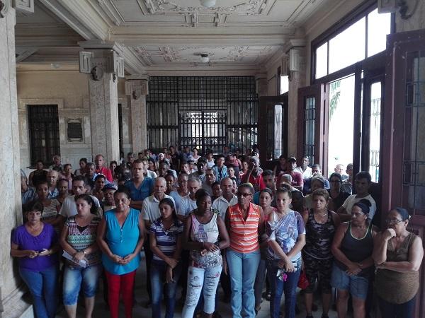 Trabajadores camagüeyanos se unen al reclamo mundial de libertad para Lula da Silva (+ Fotos)
