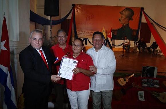 Confieren condecoraciones en Venezuela al líder de la Revolución cubana