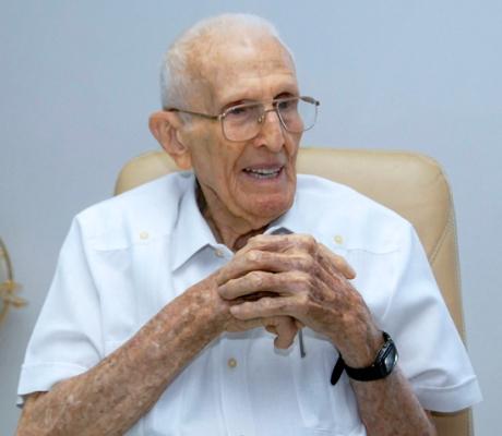 Recibe doctorado Honoris Causa Presidente del Comité Olímpico Cubano