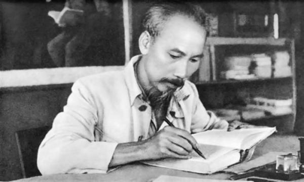 Tributo a Ho Chi Minh en Día de la Independencia de Vietnam