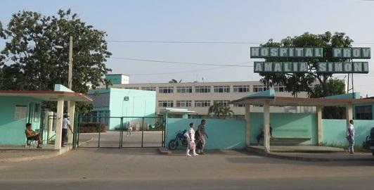 Desinfectan áreas de hospital camagüeyano Amalia Simoni que recibió pacientes de la Covid-19