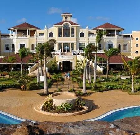 Reabrirá próximamente Hotel Iberostar Laguna Azul de Varadero