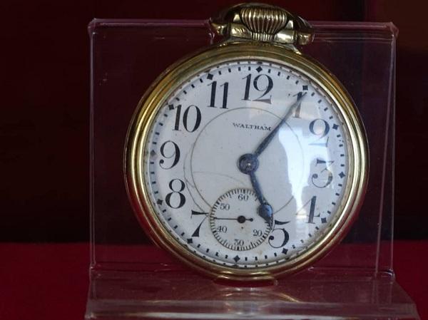 Inspección de relojes, una regla de oro en la tradición ferroviaria (+Fotos)