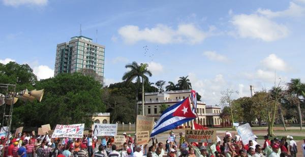En Camagüey, contundente apoyo de la clase obrera a la Revolución