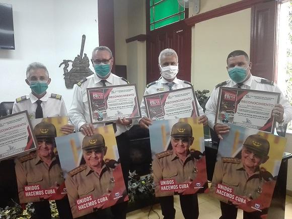 Reconoce Gobierno camagüeyano a trabajadores responsables del aseguramiento al 8vo. Congreso del PCC (+ Fotos)