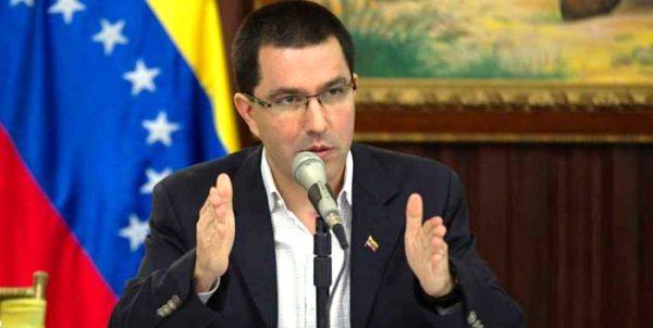Condena Canciller venezolano declaraciones injerencistas del Presidente de Colombia