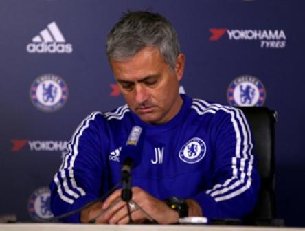 Anuncian destitución de Mourinho como técnico del Chelsea