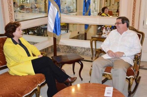 Dialogan en La Habana el Canciller cubano y Secretaria General de Flacso