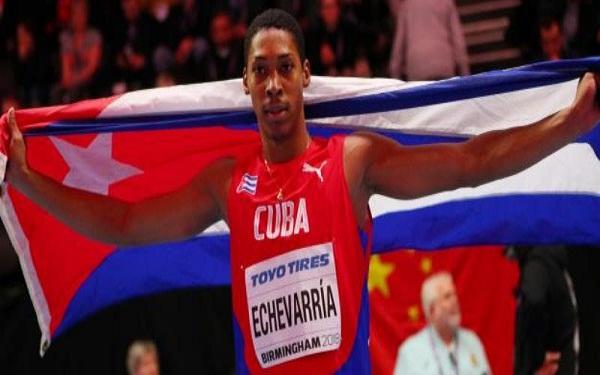 Plata y marca personal para saltador camagüeyano en Liga del Diamante
