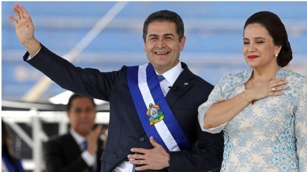 En medio de protestas, asume Hernández nuevo mandato en Honduras