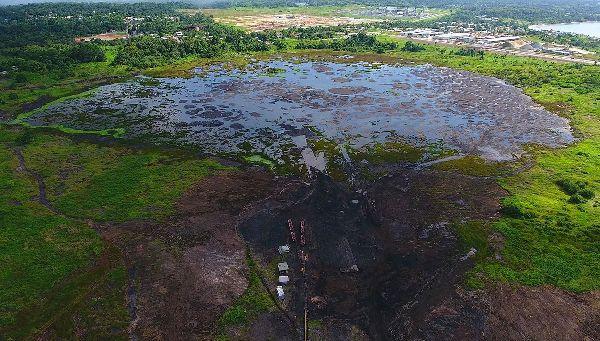 El mayor lago de asfalto del planeta está en el Caribe