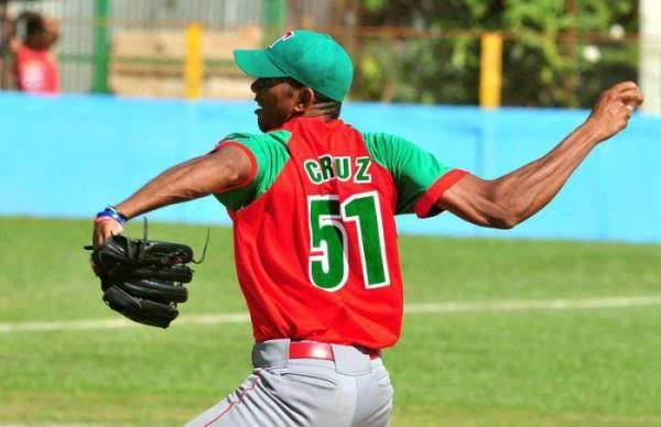 Cruz pudiera abrir el primer juego por Cuba.