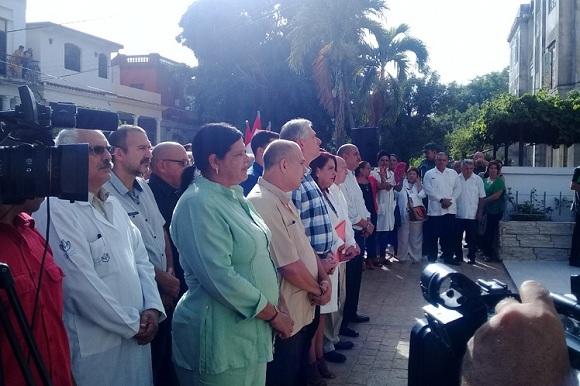 Presidente cubano asiste a inauguración de nueva sede de Instituto de Hematología e Inmunología